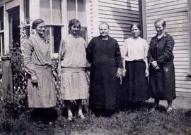 Grandma Susanna Funk and her daughters