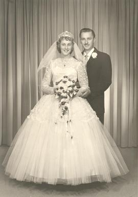 Wedding Portrait of Harold Voth and Joyce Falk.