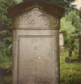 Tombstone of Anna Wiens