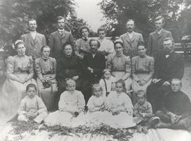 1910 group picture of 25th Wedding anniversary of  Abram and Anna Matthies
