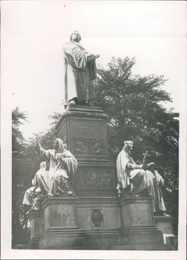 statue of the Reformers, Luther Monument