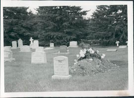 Six photos of Steinbach Memorial Cemetery graves