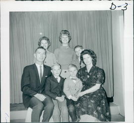 David & Lydia Dueck with Clair & Tim (front); Laurel Ann,Twyla,Quintin (back)