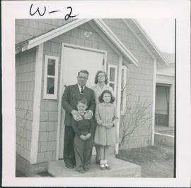 Edwin & Violet Wright with Robert and Denise, missionaries in Canora SK