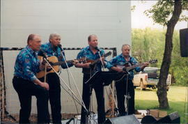 Carlton Quackgrass Band performs on Saturday evening