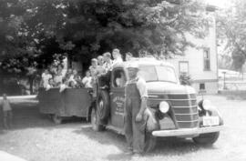 Rudy Roth transporting children with his truck