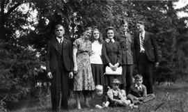 Gordon Eby family with eldest son in uniform