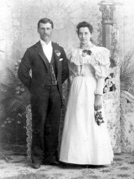 Wedding photo of Nancy Nahrgang and Ervine S.