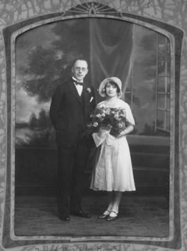 Wedding Picture of Hilda Martin and Celis Kuntz.