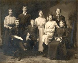 Absalom & Mary Snyder family, ca. 1914. Back