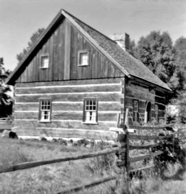 Log cabin, used in 150 Years (Amish