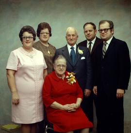 Abner Good's family from St. Jacobs, Ontario.