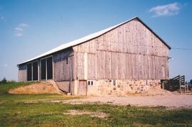 Barn on Lot 8, Con. 2, South Easthope