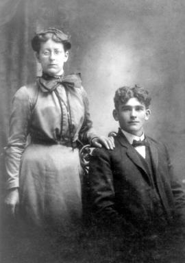 Wedding photo of Annie Litwiller and Moses O. Jantzi