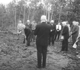 Canadian Mennonite Bible College groundbreaking