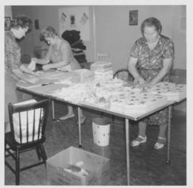 Assembling layettes bundles in the Yarrow MCC Material Aid Center
