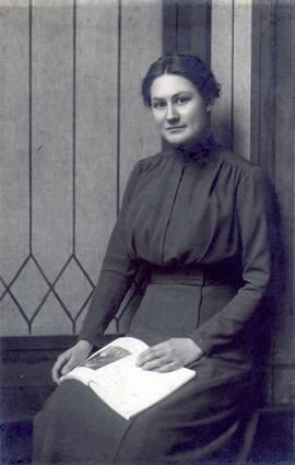 Nettie Weber, daughter of George and Phyllis