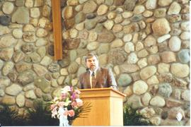 Arnold Snyder speaking at service for Conrad Grebel University College's 40th anniversary