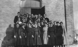 Ontario Mennonite Bible School students, 1921