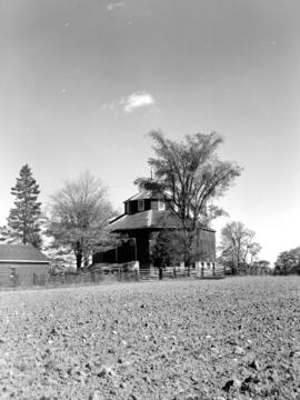 Harry Laughlin's round barn near Erin, Ontario.