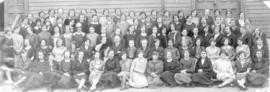 Young women related to Mennonite Girls Home in Winnipeg