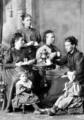 Sarah Toews' mother (Agatha Hamm Toews) (centre)