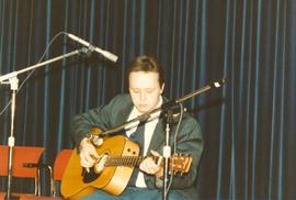 Andy Hiebert performing