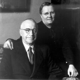 Amos and Edna Swartzentruber