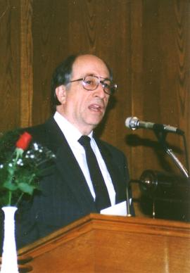 Richard Yordy preaching in 1989 at St. Jacobs