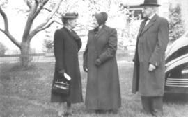 Catherine Shantz with David and Fannie Betzner
