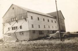 The barn Stanley Sauder worked on