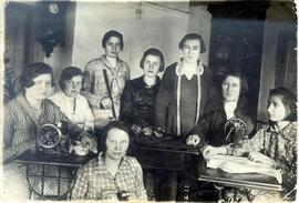 A sewing class in the home of the instructor in