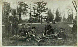 118th Battalion men resting on march near London, 1915