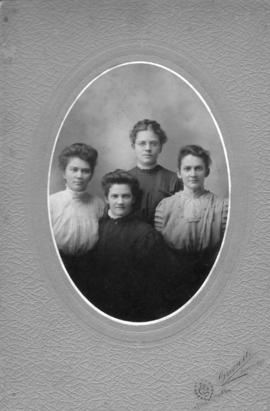 Daughters of Wendell E. and Anna Bowman Shantz