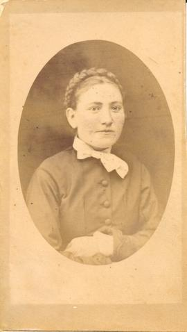 Unnamed relative of Margarethe (Kroeger) Regier
