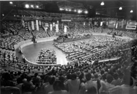 An estimated 8000 Mennonite and Brethren in