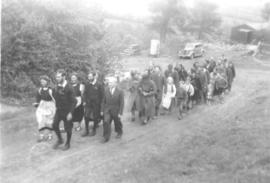 Wedding procession at Wheathill Bruderhof