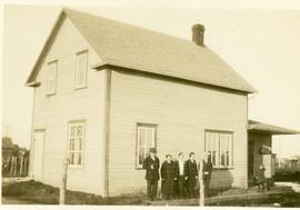 Isaak and Maria home in Winkler, 1931