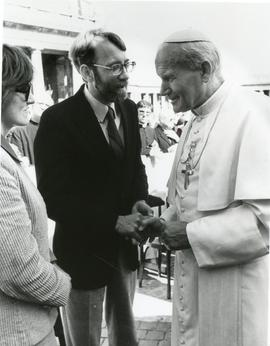 Ruby and Howard Zehr with Pope John Paul II