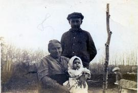 Edith with her grandparents Isaak and Maria Dyck