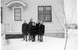 Edith, Heidi and the Loewen girls at 303 Mckay Ave
