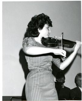 Cheryl Froese playing violin