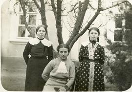 Aunt Sara and her sisters