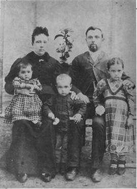 Peter and Margaret Isaak and family