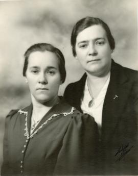 Mary with her sister Tina