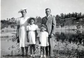 Family picture outside  with Mary, Edith, Heidi and Peter, 1943