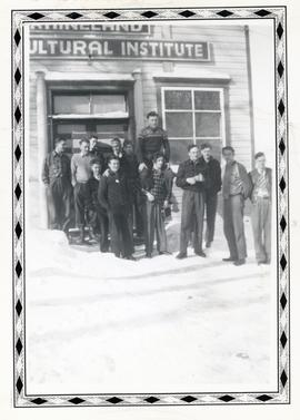 People standing in front of the Rhineland Agricultural Institute