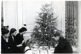 Nick Huebert, Edith, Mary Huebert, Heidi, Peter, 1950