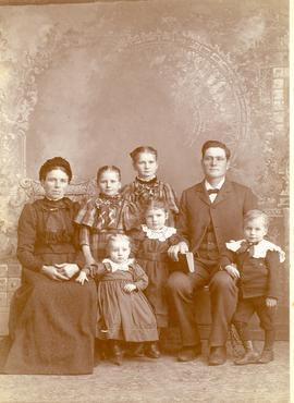 Heinrich and Helena Wall with their children