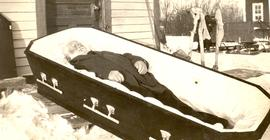 The body of Elder David Dyck in his coffin